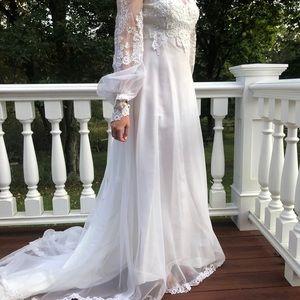 Vintage White Wedding Grown; Never Worn or Altered